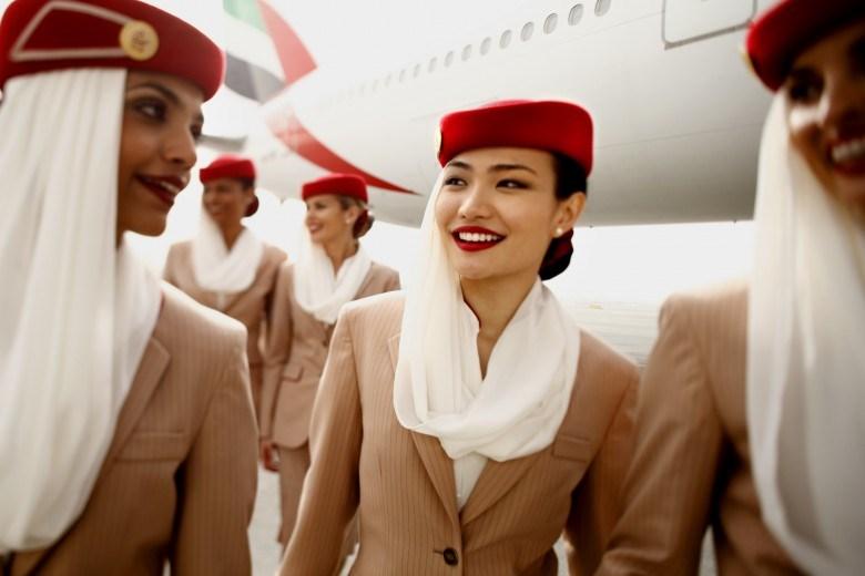 các tiếp viên hàng không hãng emirates airline