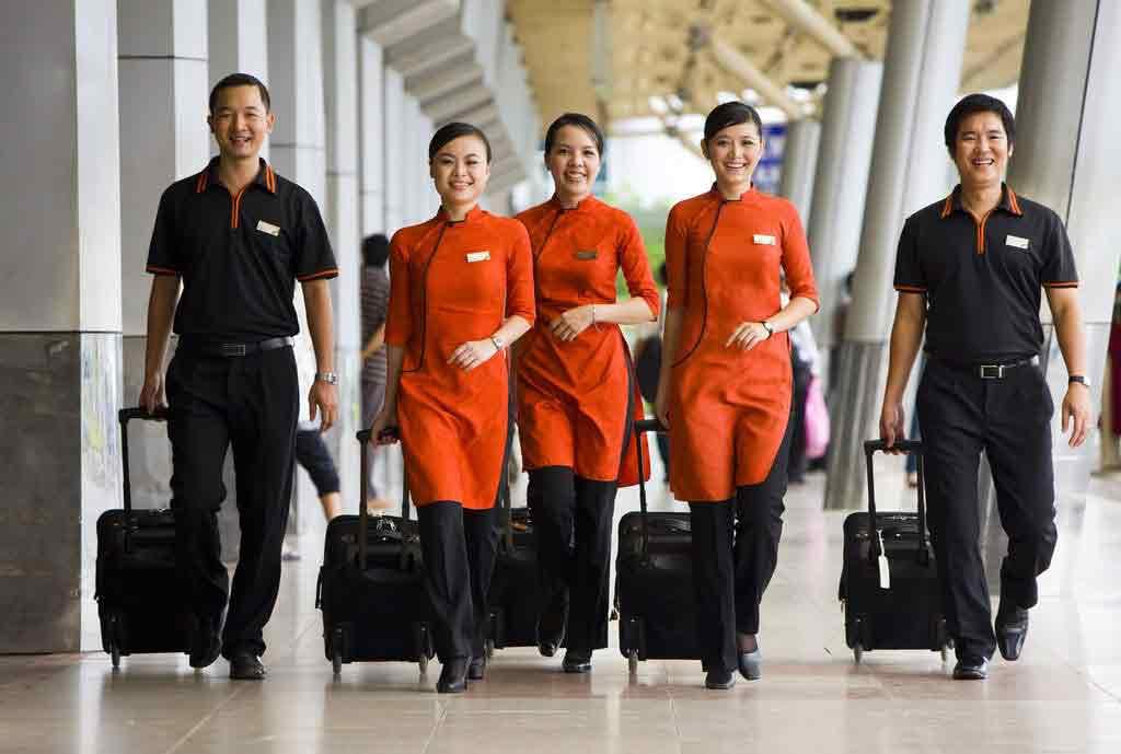 các tiêu chuẩn để trở thành tiếp viên hàng không